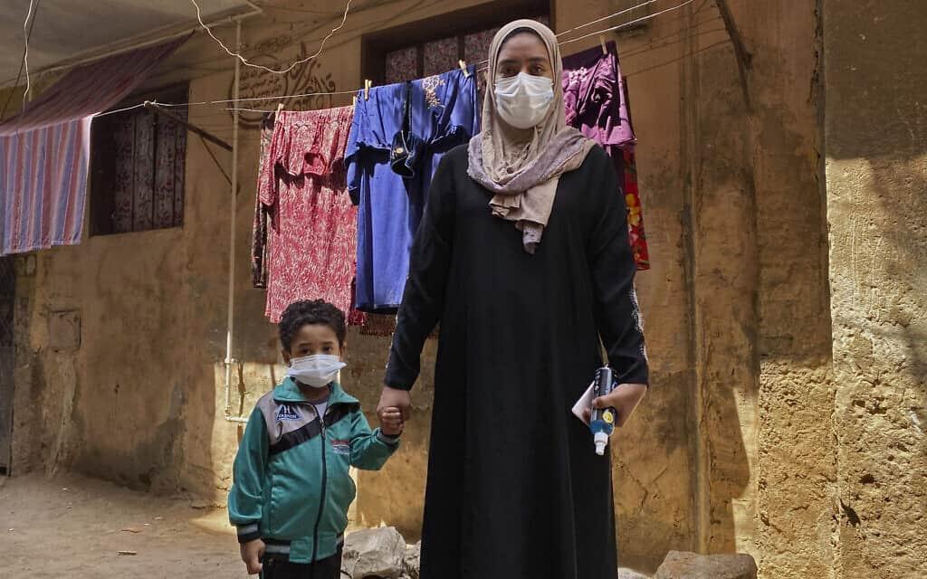 עידן הקורונה במצרים, 6 באפריל 2020 (צילום: AP Photo/Nariman El-Mofty)