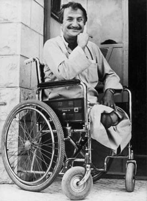 בסאם א-שכעה אחרי שרגליו נקטעו בפיגוע של המחתרת היהודית, ב-1980 (צילום: שימוש לפי סעיף 27א' לחוק זכות יוצרים)
