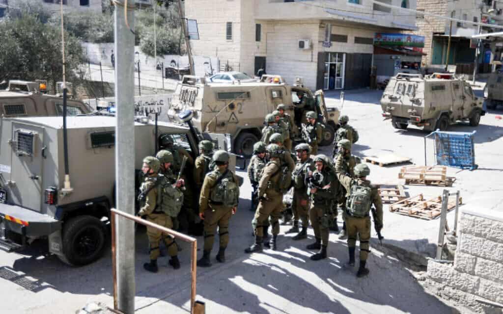 """כוח צה""""ל בבית ג'אלה, 6 בפברואר 2020 (צילום: Wisam Hashlamoun/Flash90)"""