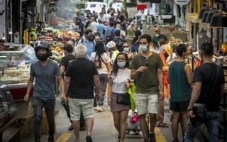 עידן הקורונה: שוק מחנה יהודה בירושלים, יוני 2020, אילוסטרציה, למצולמים אין קשר לנאמר (צילום: Olivier Fitoussi/Flash90)
