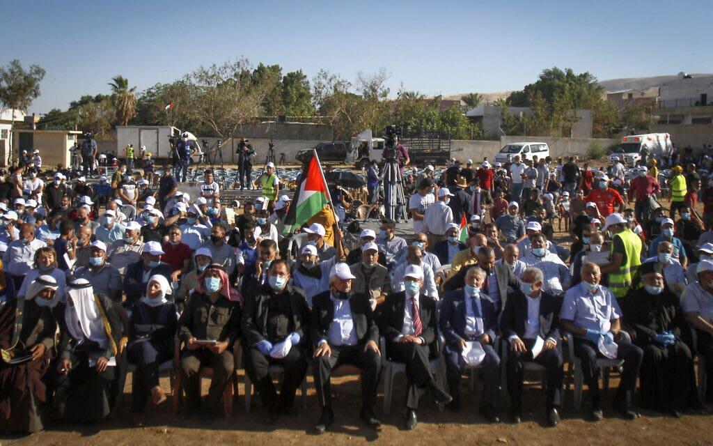 קהל שבא להאזין לנאומו של ראש הממשלה הפלסטיני נגד הסיפוח, בקעת הירדן, יוני 2020 (צילום: Nasser Ishtayeh/Flash90)