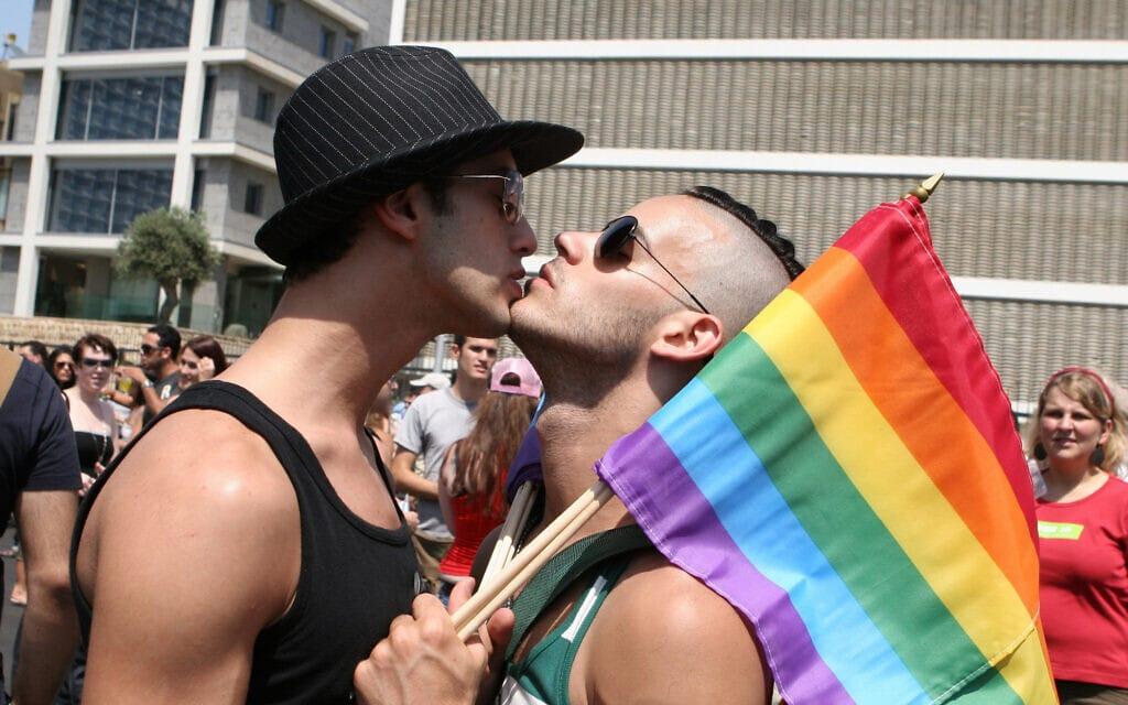 מצעד הגאווה בתל אביב (צילום: Liron Almog/Flash90)