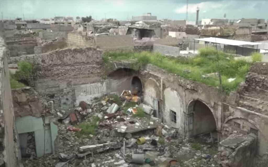 בית כנסת במוסול, עיראק, כפי שצולם בכתבה של פראנס24 באפריל 2019 (צילום: צילום מסך/France24)