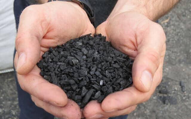 """הביו פחם של ד""""ר נדב זיו (צילום: קומפוסט אור)"""