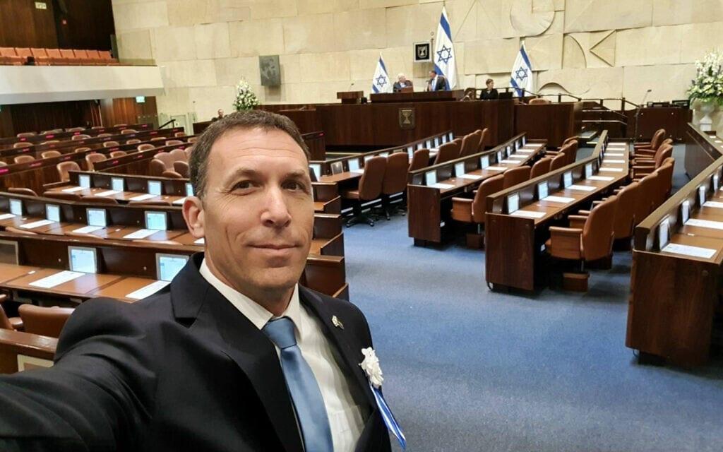 מתן כהנא בסלפי במליאת הכנסת ביום השבעת הכנסת ה-23, 16 במרץ 2020