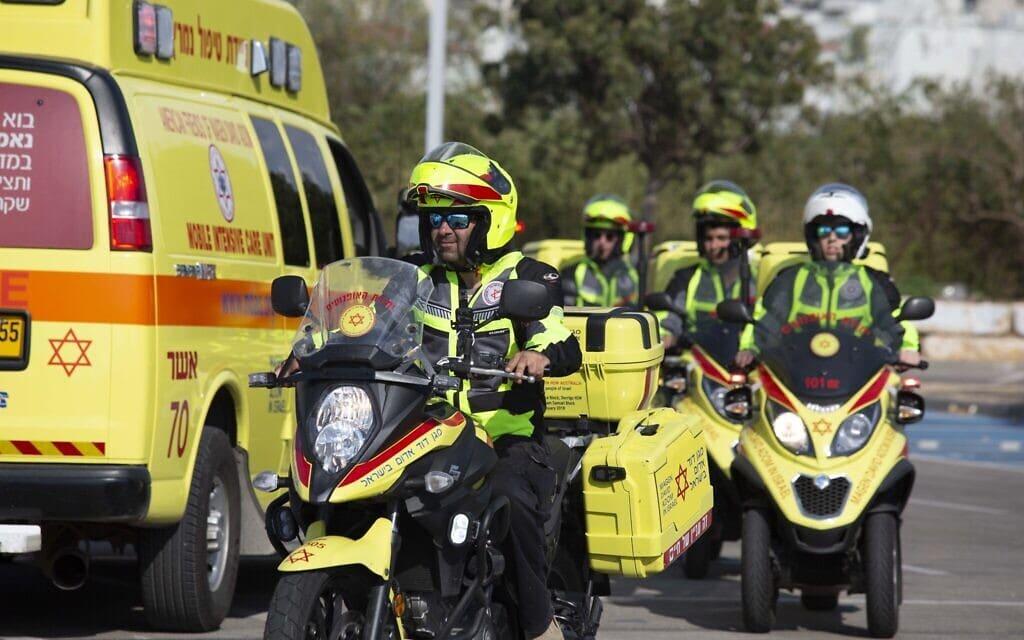 רוכבי יחידת האופנועים של מד״א (צילום: צילום דוברות מד״א)
