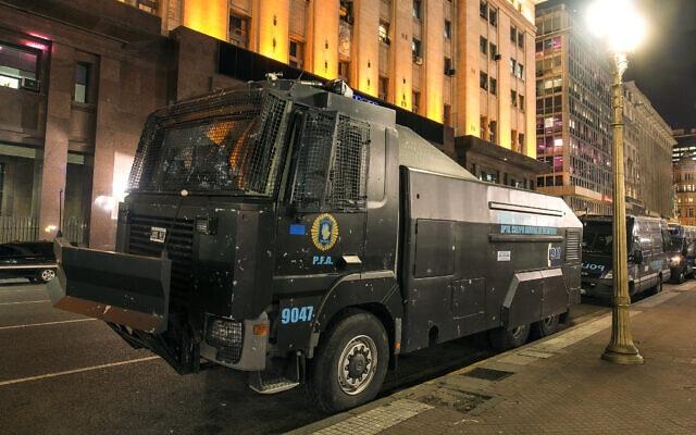 """המכת""""זית של בית אלפא טכנולוגיות בשירות משטרת ארגנטינה בבואנוס איירס ב-11 באוגוסט 2014 (צילום: CC by SA Curtis Gregory Perry, Flickr)"""