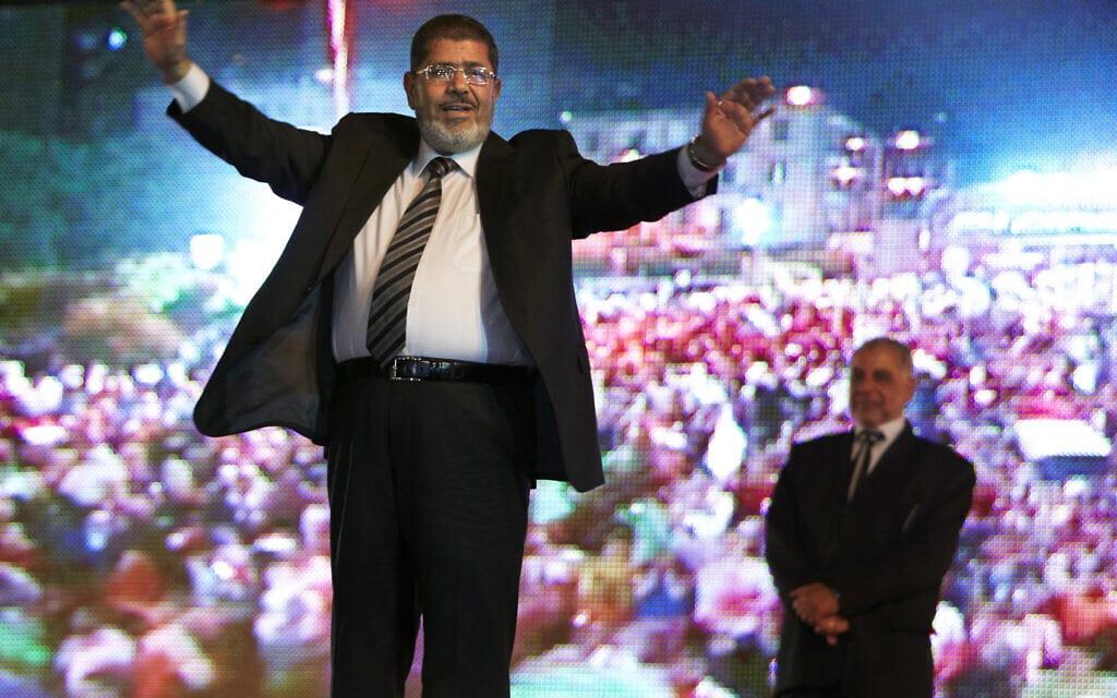 מוחמד מורסי בכנס בחירות בקהיר, מאי 2012 (צילום: AP Photo/Fredrik Persson, File)