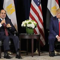 """נשיא מצרים עבד אל-פתח א-סיסי מדבר בפגישה עם דונלד טראמפ במלון אינטרקונטיננטל בארקליי במהלך העצרת הכללית של האו""""ם בניו יורק, יום שני, 23 בספטמבר 2019 (צילום: AP /אוון ווצ'י)"""