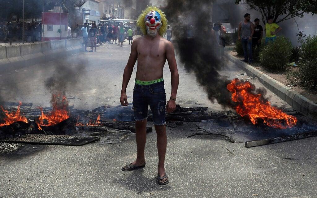 המחאה החברתית בלבנון, יולי 2020 (צילום: AP Photo/Bilal Hussein)