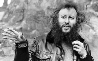 פיטר גרין ב-1987, עם הציפורניים הארוכות שהפכו לסימן ההיכר שלו (צילום: Trinity Mirror / Mirrorpix / Alamy)