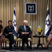 נציגי מחאת 2011 נפגשים עם נשיא המדינה דאז, שמעון פרס (צילום: Kobi Gideon / Flash90.)