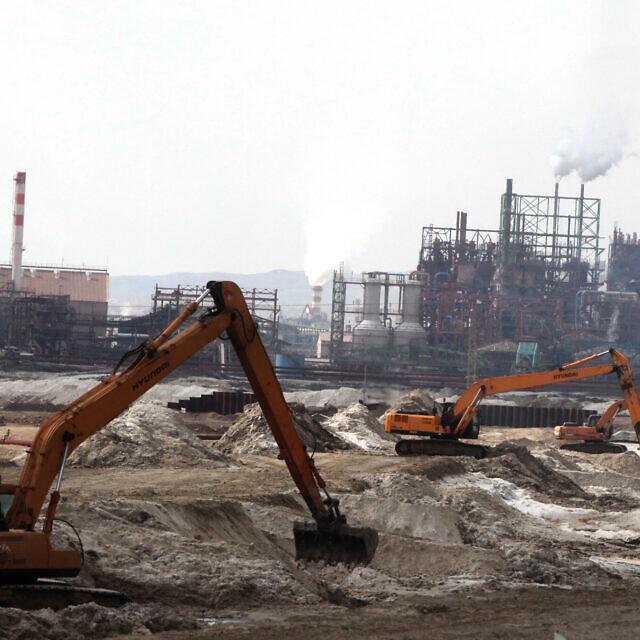 מפעלי כיל באזור ים המלח, ארכיון, 2012 (צילום: יוסי זמיר, פלאש 90)