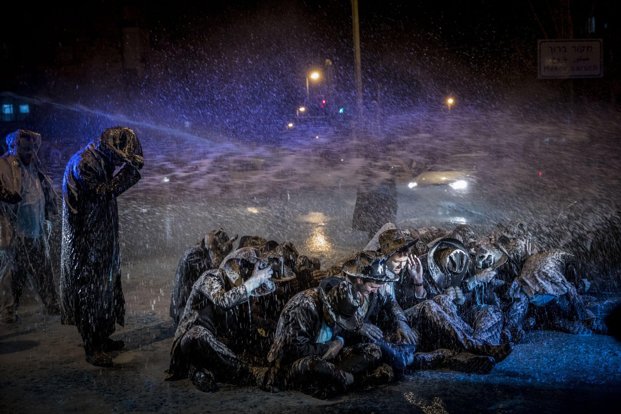 """המכת""""זית בשימוש בפיזור הפגנת החרדים בירושלים נגד חוק הגיוס, ב-23 במרץ 2017 (צילום: יונתן זינדל/פלאש90)"""