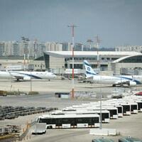 מטוסים של אל על בנמל התעופה בן-גוריון, 12 באפריל 2020 (צילום: פלאש 90)