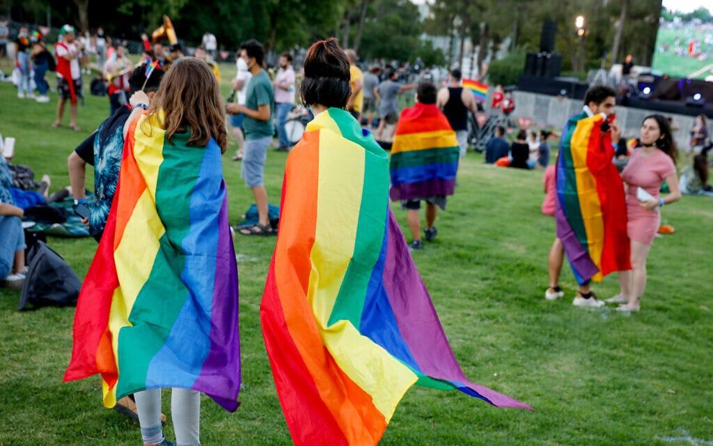 אירוע גאווה מצומצם בירושלים בעקבות מגבלות הקורונה, יוני 2020, אילוסטרציה, למצולמים אין קשר לנאמר בכתבה (צילום: Olivier Fitoussi/Flash90)