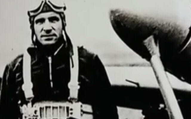 """""""הקצב מריגה"""" הרברטס צוקורס היה טייס מפורסם בלטביה לפני שהצטרף ליחידת ההרג במהלך השואה (צילום: צילום מסך מיוטיוב)"""