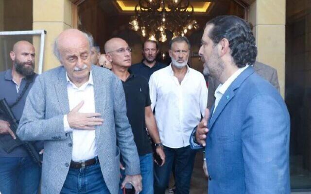 חרירי וג'נבלאט רגעים לאחר הפיצוץ (צילום: Saad Hariri Twitter Account)