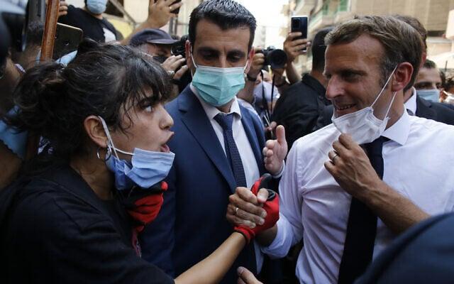 נשיא צרפת עמנואל מקרון מבקר בביירות לאחר אסון הפיצוץ בנמל (צילום: AP Photo/Thibault Camus, Pool)