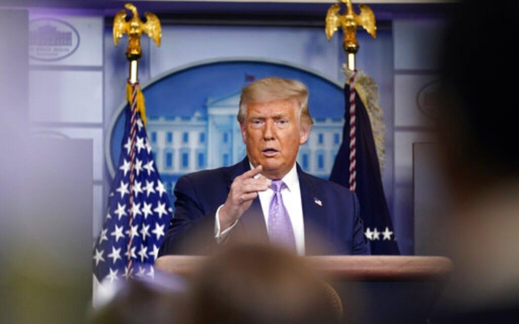 נשיא ארצות הברית דונלד טראמפ בחדר התדריכים בבית הלבן, 13 באוגוסט 2020 (צילום: Andrew Harnik, AP)