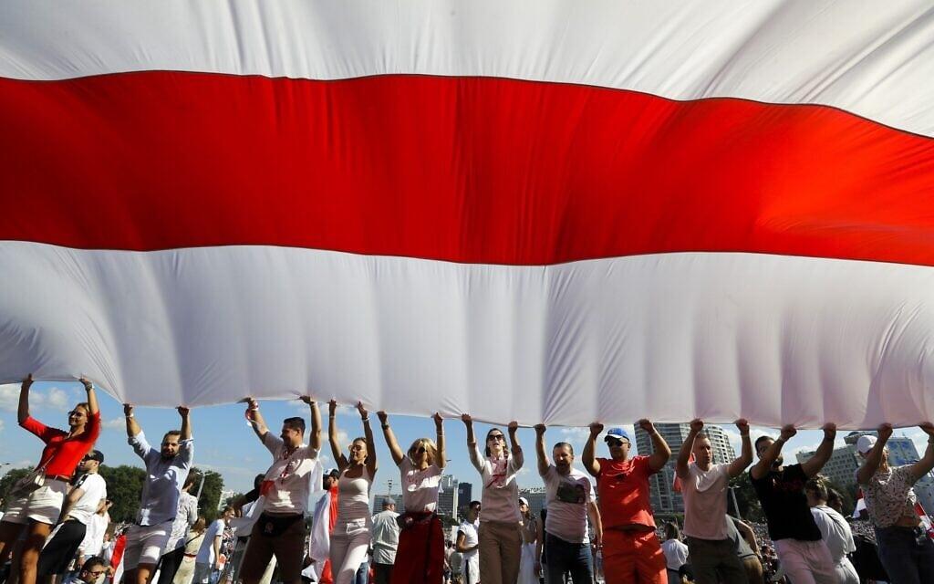 ההפגנות ההמוניות מתרחבות במינסק