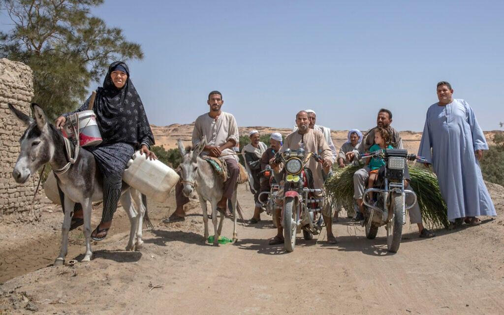 כפריים במצרים נאספים כדי למחות על המחסור במים, אוגוסט 2020 (צילום: AP Photo/Nariman El-Mofty)