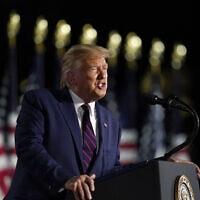 דונלד טראמפ נושא נאום החותם את הוועידה הרפובליקאית, שבה נבחר למועמד המפלגה לנשיאות, 27 באוגוסט 2020 (צילום: Alex Brandon, AP)