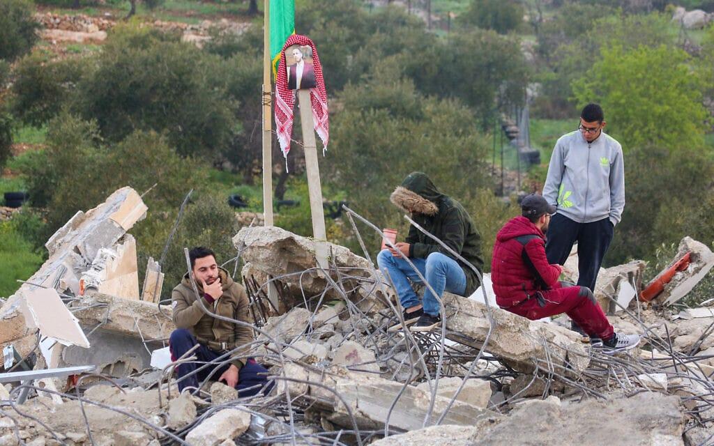 """ביתו של משפחת המחבל עסאם אל-ברגותי בגדה המערבית, אחרי שנהרס על ידי צה""""ל, 7 במרץ 2019 (צילום: פלאש90)"""