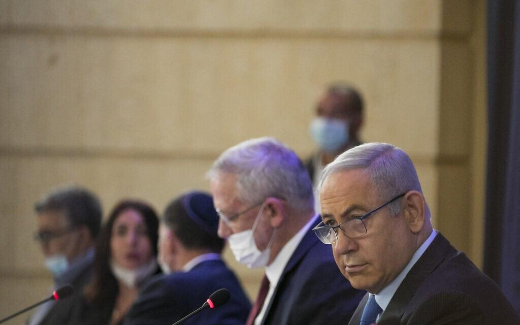 .בנימין נתניהו ובני גנץ בישיבת קבינט משרד החוץ, יוני 2020 (צילום: Olivier Fitoussi/Flash90)