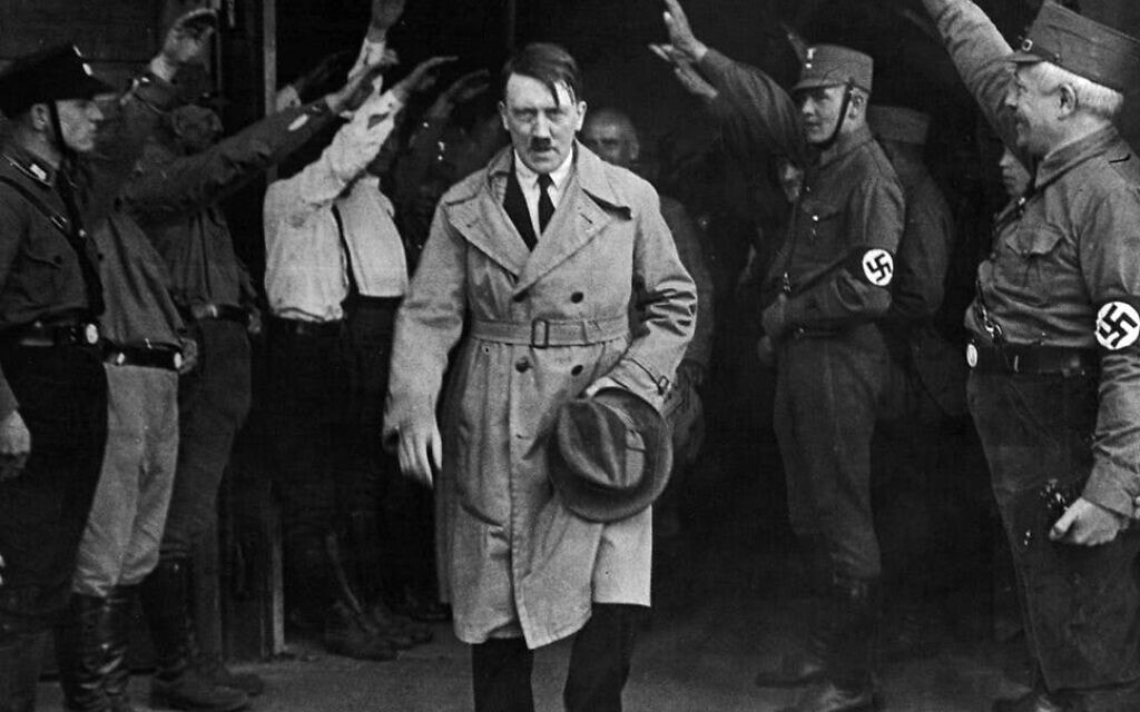 אדולף היטלר וחברי המפלגה הנאצית לפני מלחמת העולם השנייה (צילום: רשות הציבור)