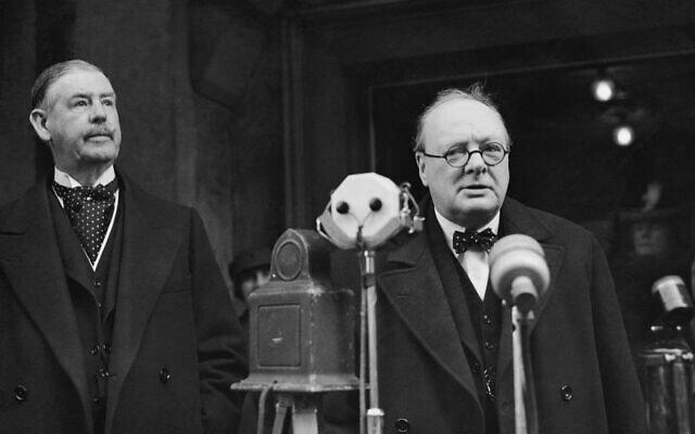 וינסטון צ'רצ'יל נושא דברים בינואר 1939 (צילום: AP Photo/ Staff/ Putnam)