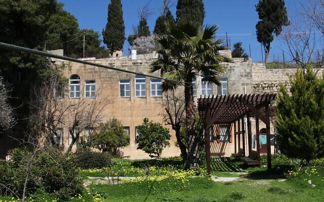 מתחם גובאט והכבל שבעבר שימש את הרכבל, אשר הוקם על ידי הבישוף הפרוטסטנטי סמואל גובאט (צילום: שמואל בר-עם)