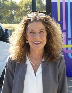 מיטל להבי סגנית ראש העיר תל אביב (צילום: עיריית תל אביב)