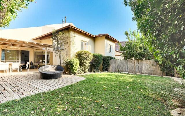 """בית למכירה בשדי חמד ב-4.7 מיליון שקל (צילום: באדיבות יעקב גרוסמן נדל""""ן)"""