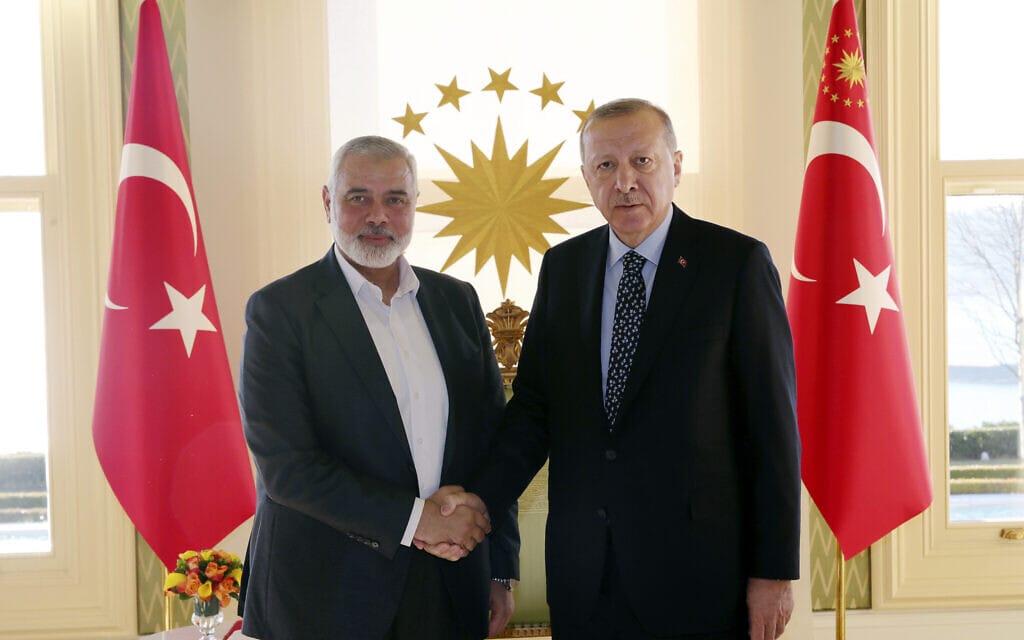 ארדואן והנייה באינסטנבול (צילום: Presidential Press Service via AP, Pool)