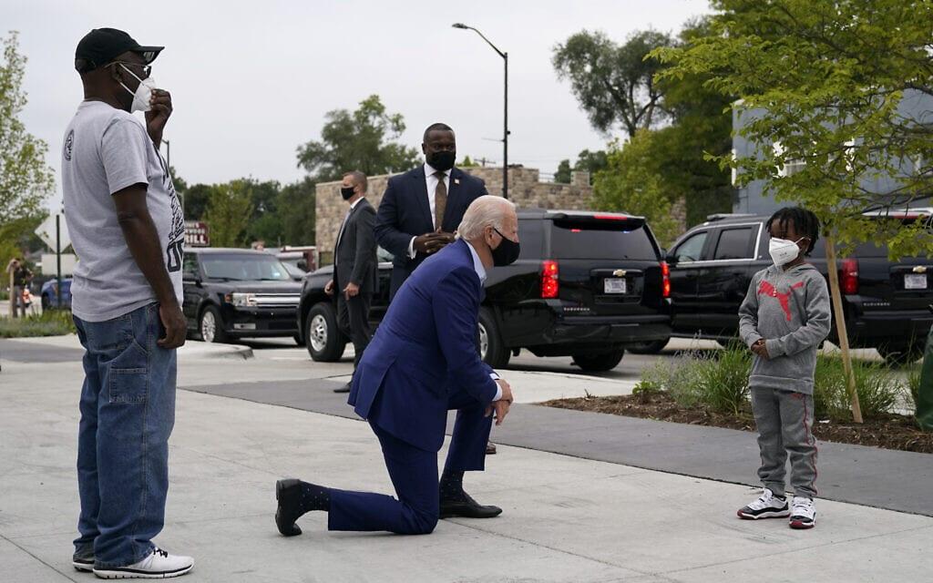 ג'ו ביידן מגיע לדטריוט, מישיגן, לארוע בחירות, ב-9 בספטמבר 2020 (צילום: AP Photo/Patrick Semansky)