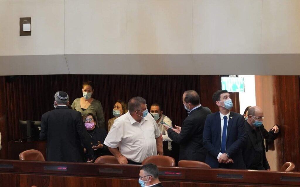 הצבעה בקריאה ראשונה על תיקון חוק סמכויות קורונה, 24 בספטמבר 2020 (צילום: דוברות הכנסת)