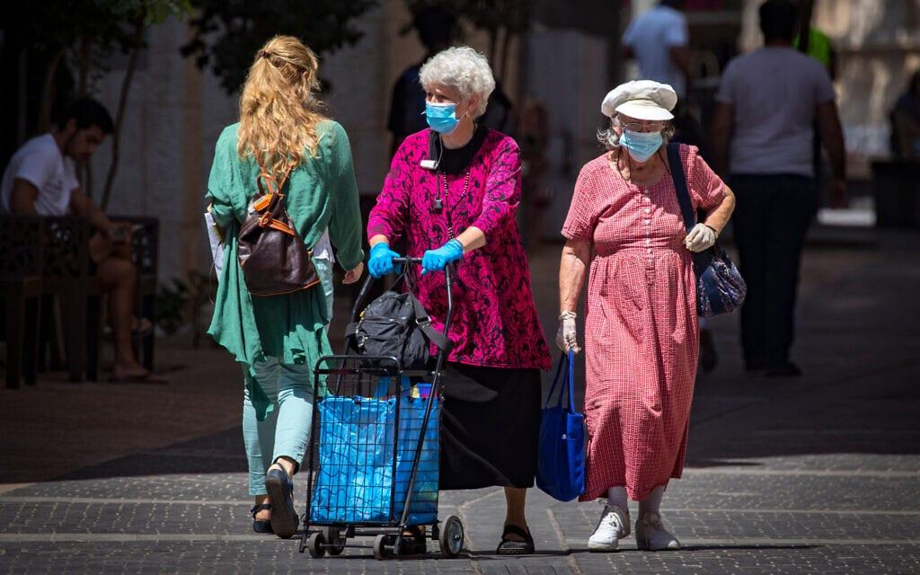 אילוסטרציה, ירושלים בעידן הקורונה, אוגוסט 2020, למצולמות אין קשר לנאמר (צילום: Olivier Fitoussi/Flash90)