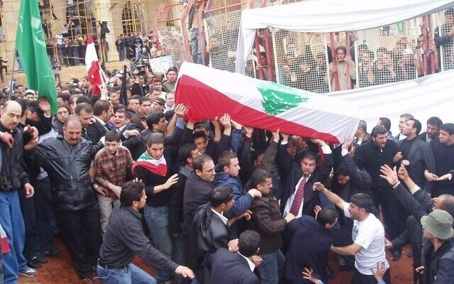מסע הלווייתו של ראש ממשלת לבנון לשעבר, רפיק אל-חרירי, בו נכחה סבטלובה (צילום: באדיבות קסניה סבטלובה)
