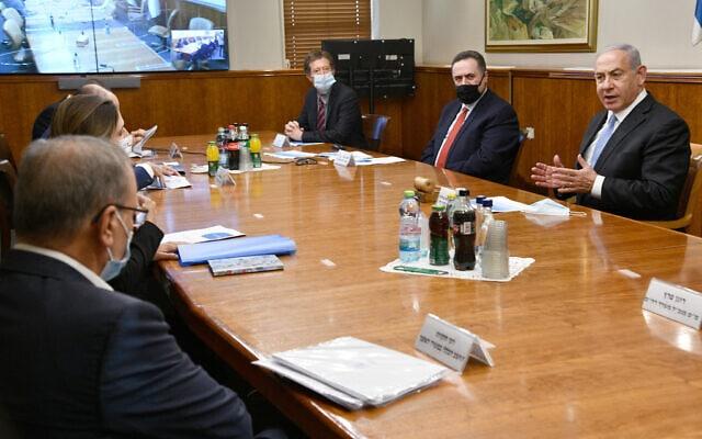 """ראש הממשלה בנימין נתניהו ושר האוצר ישראל כ""""ץ בדיון כלכלי, 3 בספטמבר 2020 (צילום: חיים צח / לע""""מ)"""