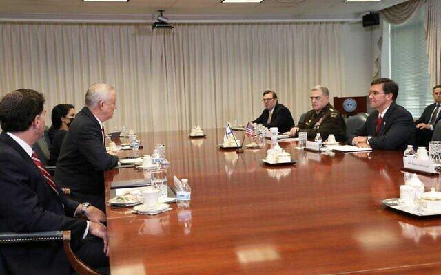 ראש הממשלה החליפי ושר הביטחון בני גנץ בפגישתו עם שר ההגנה של ארצות הברית מארק אספר, 22 בספטמבר 2020