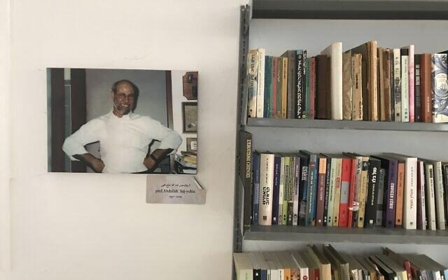 הספריה בנווה שלום (צילום: אמיר בן-דוד)