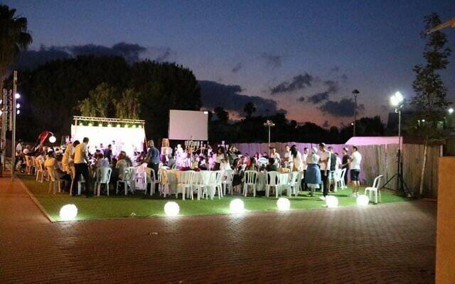 חתונה בלא היתר בתקופת הקורונה (צילום: ישראל כהן, באדיבות איגוד בעלי האולמות וגני האירועים)