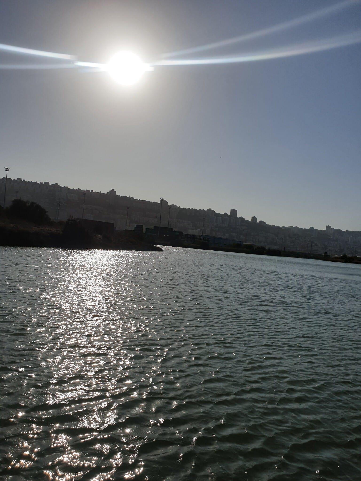 שיט בנחל הקישון, אוקטובר 2020 (צילום: אביב לביא)