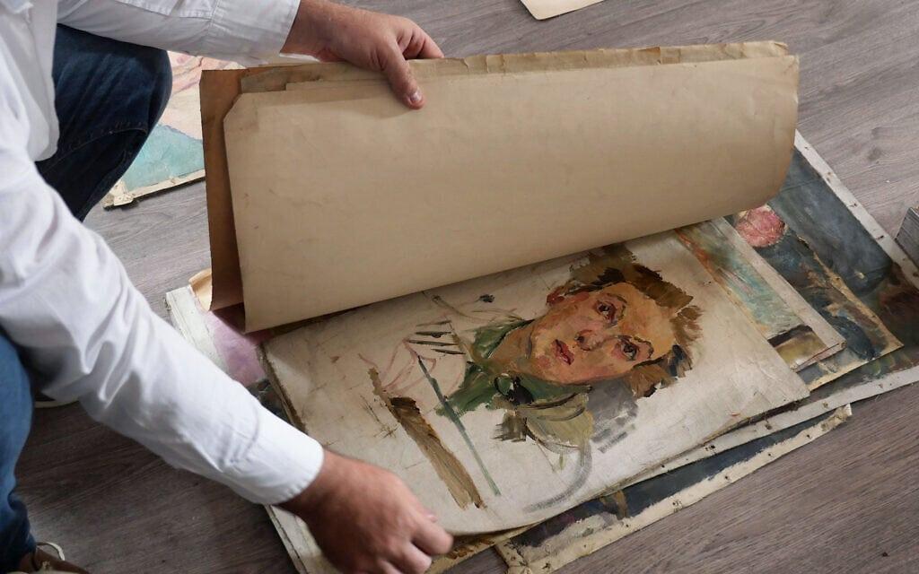 גרטרוד קאודרס החביאה כ-700 מציוריה בבית חברתה ללימודים, בימי מלחמת העולם השנייה (צילום: עמוס שאפל/RFE/RL)