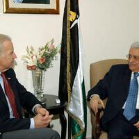 מחמוד עבאס וג'ו ביידן, 2006 (צילום: Omar Rashidi/Palestinian Authority)