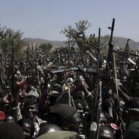 מורדים חמושים של תנועת השחרור של סודאן בכפר הצפוני קאודה, 9 בינואר 2020 (צילום: AP Photo/Nariman El-Mofty)