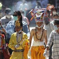 עידן הקורונה בנפאל, אוגוסט 2020 (צילום: AP Photo/Niranjan Shrestha)