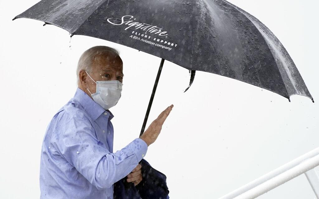 ג'ו ביידן בדרכו לעימות הנשיאותי הראשון, ספטמבר 2020 (צילום: AP Photo/Andrew Harnik)