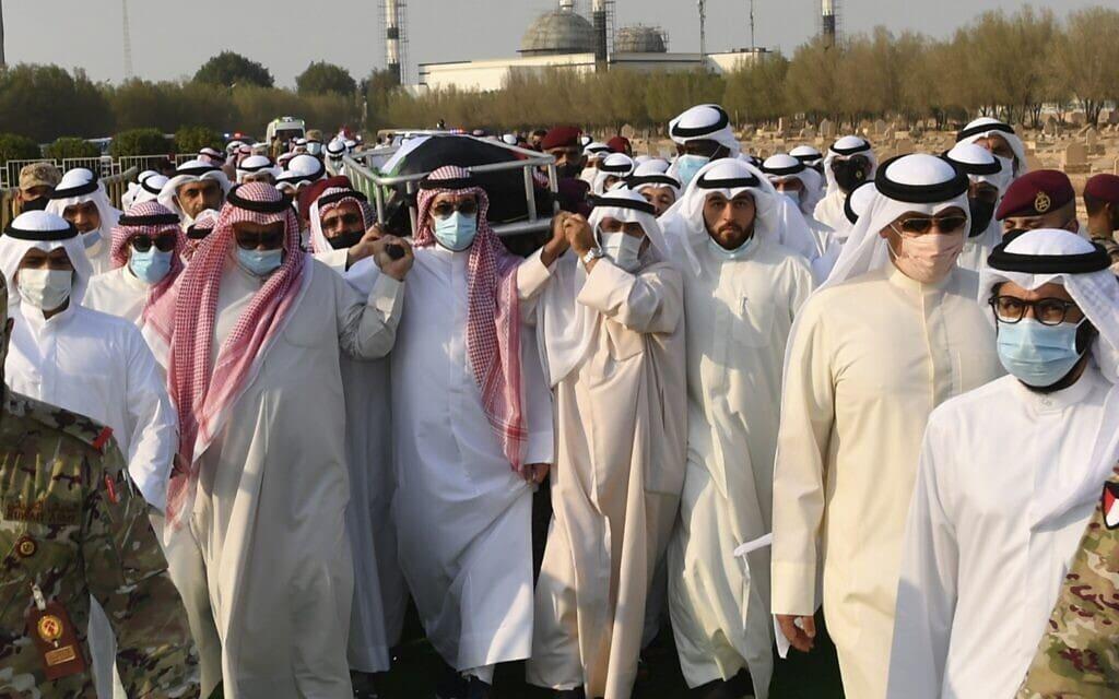 טקס הלווייתו של אמיר כווית, 30 בספטמבר 2020 (צילום: Diwan Al Amiri via AP)
